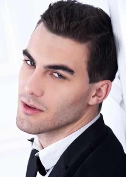 corte de pelo corto para hombre elegante