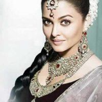 peinado con joyas estilo indio para novia