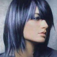 tinte de pelo azulado y moderno