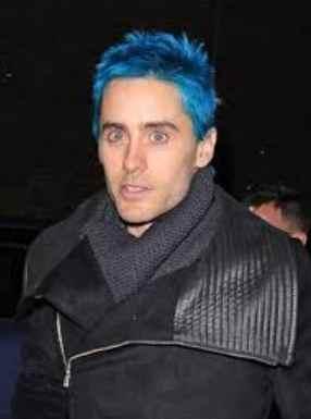 pelo azul hombre hipster