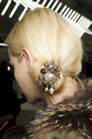 Esta vez te mostraremos los 7 de broches de pelo más bonitos para fiestas 1edcfbe2b23a