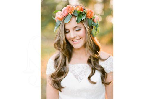 corona-de-flores con hojas