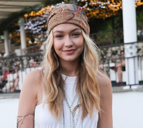 peinados-hippies suelto con pañuelo