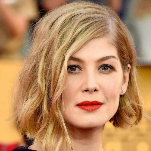 mujer con corte de pelo midi entero