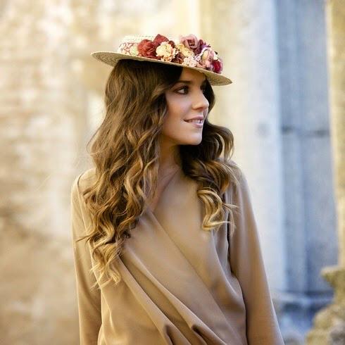 pelo largo sombrero flores