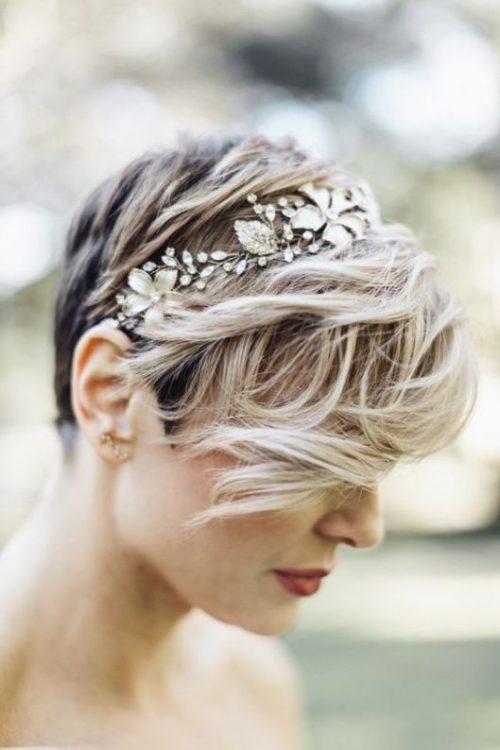 mujeres con pelo corto peinado de bodas