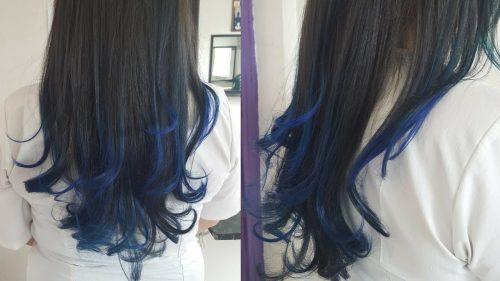 Mechas azules en las puntas