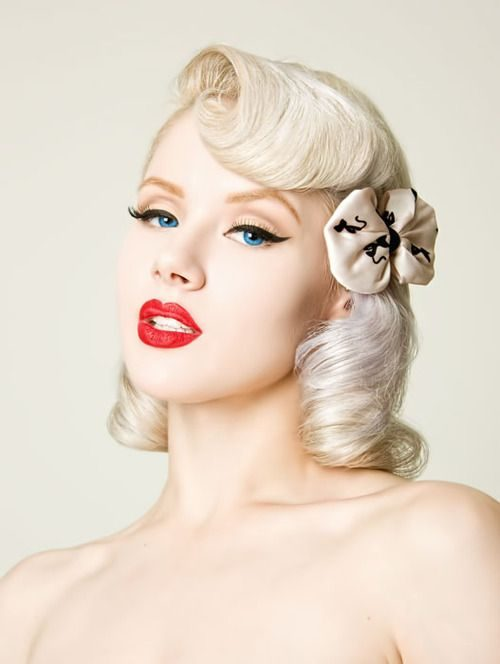 Peinados PIN UP cabello corto