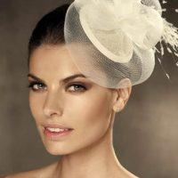 Peinados con tocados sombrero