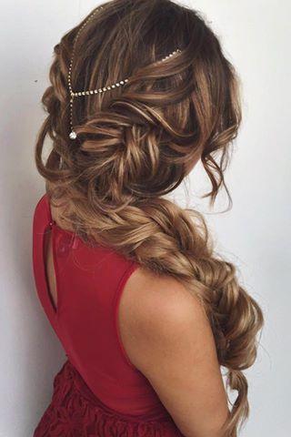 Peinados románticos con accesorios