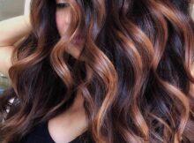 mechas para cabello ondulado cobrizas oscuras