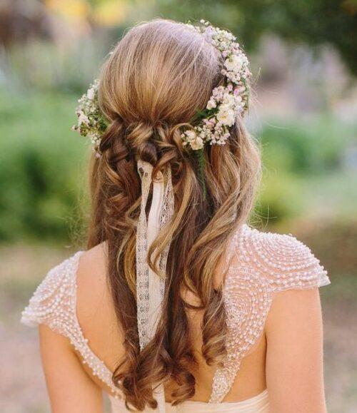 peinados para 15 años cabello suelto con flores