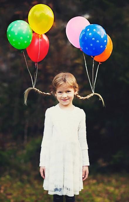 Peinados locos para niñas con globos