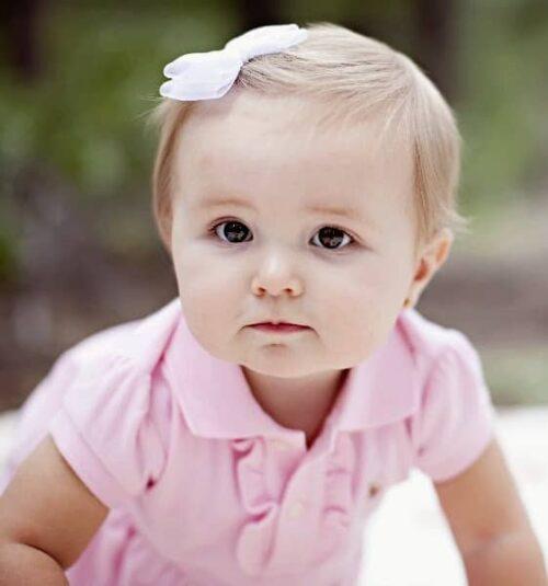 peinado para bebé con lacito pinza